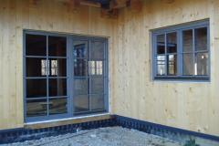 okna-hiša-tratna-tomažfurnir-oreh-014